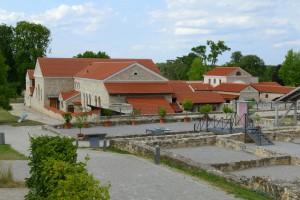 Rekonstruierte römische Bauten im Archäologiepark von Carnuntum